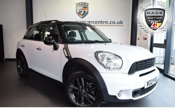 Used 2012 WHITE MINI COUNTRYMAN Hatchback 2.0 COOPER SD 5DR 141 BHP excellent service history (reg. 2012-06-20) for sale in Bolton