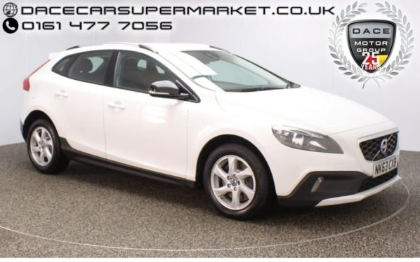 Used 2013 WHITE VOLVO V40 Hatchback 2.0 D3 CROSS COUNTRY SE 5DR HALF LEATHER SEATS 148 BHP (reg. 2013-09-05) for sale in Stockport
