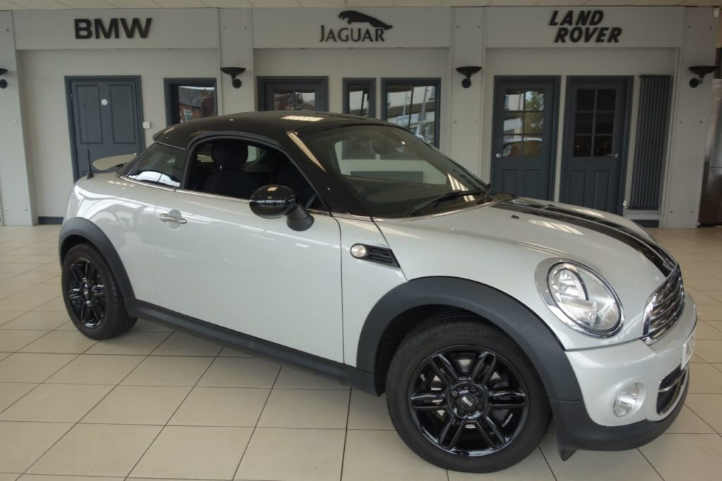 Used 2015 SILVER MINI COUPE Coupe 1.6 COOPER 2d 120 BHP (reg. 2015-08-25) for sale in Hazel Grove