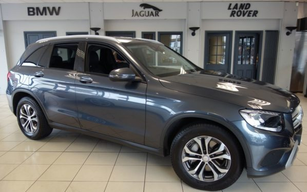 Used 2016 GREY MERCEDES-BENZ GLC-CLASS Estate 2.1 GLC 220 D 4MATIC SE 5d AUTO 168 BHP (reg. 2016-04-30) for sale in Hazel Grove