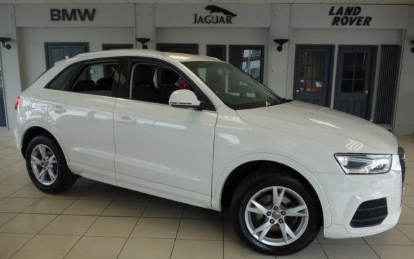 Used 2016 WHITE AUDI Q3 Estate 2.0 TDI SE 5d 148 BHP (reg. 2016-03-02) for sale in Hazel Grove