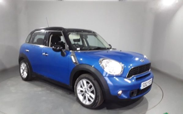Used 2012 BLUE MINI COUNTRYMAN Hatchback 2.0 COOPER SD 5DR 141 BHP (reg. 2012-04-20) for sale in Stockport