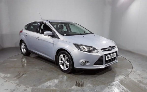 Used 2012 SILVER FORD FOCUS Hatchback 1.6 ZETEC 5DR AUTO 124 BHP (reg. 2012-10-09) for sale in Stockport