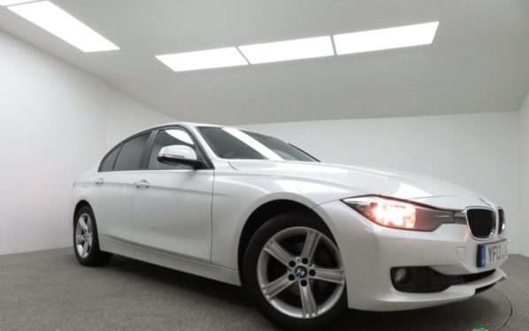 Used 2013 WHITE BMW 3 SERIES Saloon 2.0 318D SE 4d 141 BHP (reg. 2013-06-13) for sale in Manchester