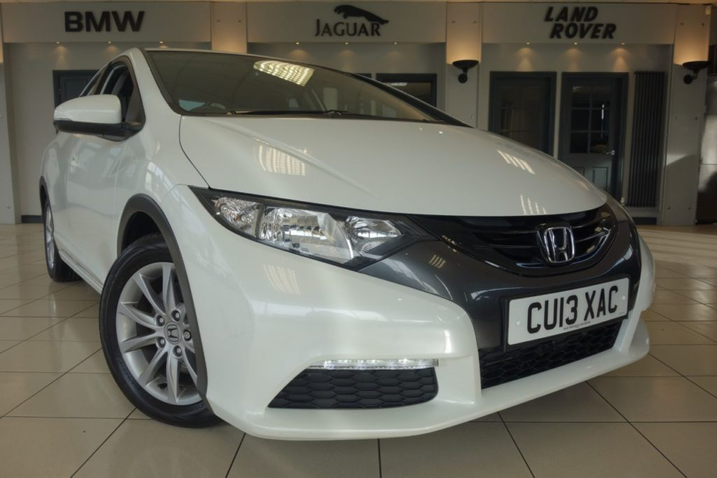 Used 2013 WHITE HONDA CIVIC Hatchback 1.8 I-VTEC SE 5d AUTO 140 BHP (reg. 2013-03-18) for sale in Hazel Grove