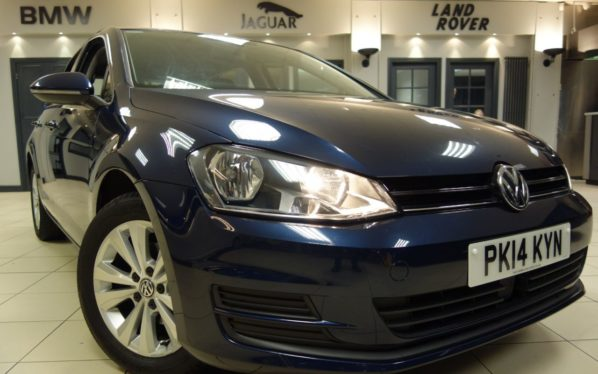 Used 2014 BLUE VOLKSWAGEN GOLF Hatchback 1.6 SE TDI BLUEMOTION TECHNOLOGY 5d 103 BHP (reg. 2014-04-25) for sale in Hazel Grove