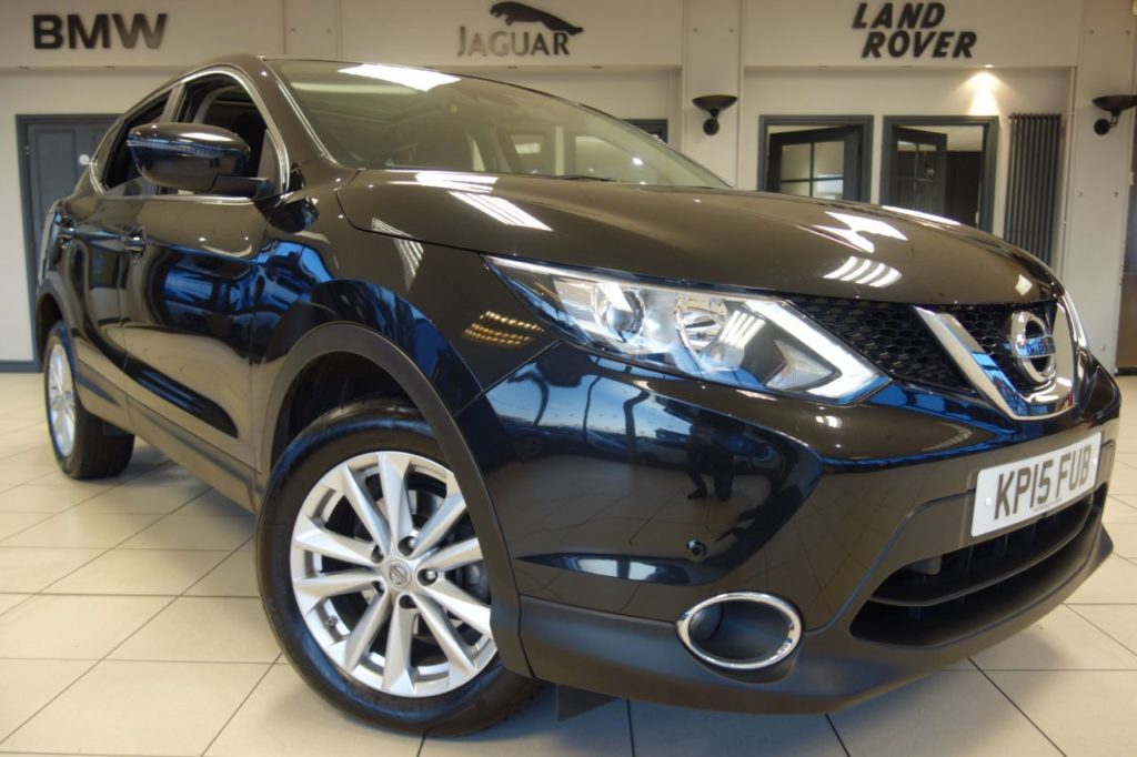 Used 2015 BLACK NISSAN QASHQAI Hatchback 1.5 DCI ACENTA PLUS 5d 108 BHP (reg. 2015-03-27) for sale in Hazel Grove