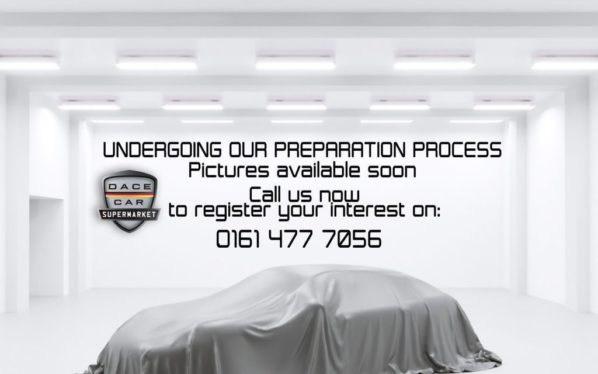 Used 2015 SILVER LAND ROVER RANGE ROVER Estate 3.0 TDV6 VOGUE 5d AUTO 255 BHP (reg. 2015-06-13) for sale in Stockport