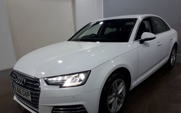 Used 2016 WHITE AUDI A4 Saloon 2.0 TFSI SPORT 4d AUTO 188 BHP (reg. 2016-09-19) for sale in Manchester