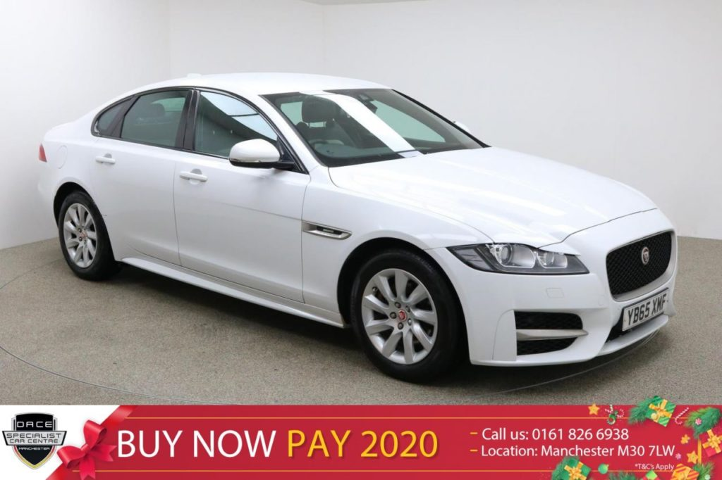 Used 2016 WHITE JAGUAR XF Saloon 2.0 R-SPORT 4d 161 BHP (reg. 2016-01-09) for sale in Manchester