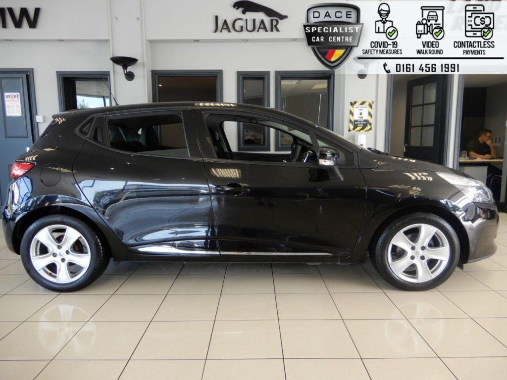 Used 2015 BLACK RENAULT CLIO Hatchback 1.1 DYNAMIQUE NAV 16V 5d 73 BHP (reg. 2015-10-30) for sale in Hazel Grove
