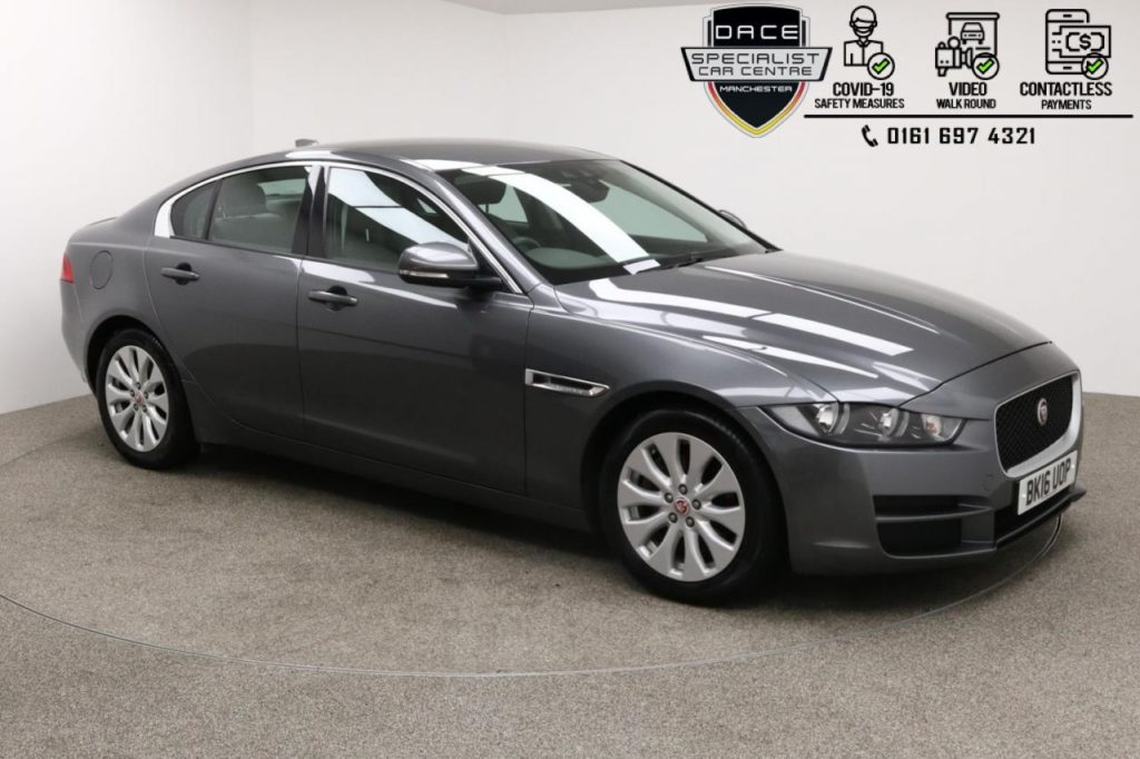 Used 2016 GREY JAGUAR XE Saloon 2.0 SE 4d AUTO 161 BHP (reg. 2016-07-01) for sale in Manchester