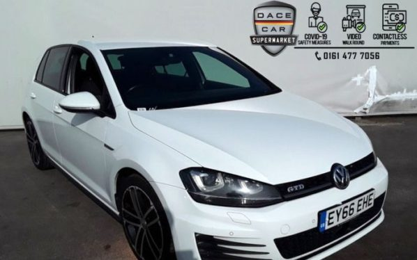 Used 2016 WHITE VOLKSWAGEN GOLF Hatchback 2.0 GTD DSG 5DR 1 OWNER AUTO 182 BHP (reg. 2016-09-01) for sale in Stockport