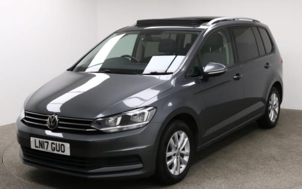 Used 2017 GREY VOLKSWAGEN TOURAN MPV 1.6 SE FAMILY TDI BLUEMOTION TECHNOLOGY DSG 5d AUTO 114 BHP (reg. 2017-03-03) for sale in Manchester