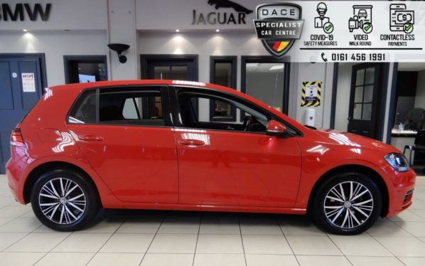 Used 2017 RED VOLKSWAGEN GOLF Hatchback 1.4 SE NAVIGATION TSI BLUEMOTION TECHNOLOGY DSG 5d AUTO 124 BHP (reg. 2017-06-26) for sale in Hazel Grove
