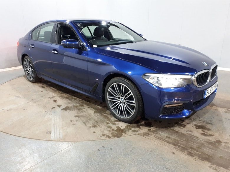 Used 2017 BLUE BMW 5 SERIES Saloon 2.0 530E M SPORT 4d AUTO 249 BHP (reg. 2017-10-09) for sale in Manchester