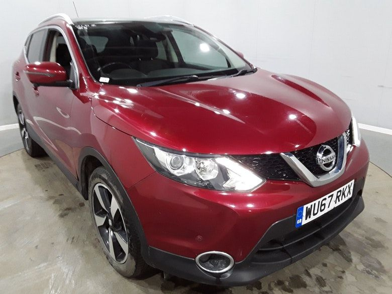 Used 2017 RED NISSAN QASHQAI Hatchback 1.5 N-CONNECTA DCI 5d 108 BHP (reg. 2017-09-05) for sale in Manchester
