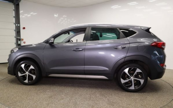 Used 2018 GREY HYUNDAI TUCSON Estate 1.6 T-GDI SPORT EDITION 5d 175 BHP (reg. 2018-02-26) for sale in Manchester